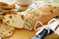 Pan rebanado del pistacho Fotos de archivo