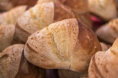 Pan recientemente cocido del pan hecho en casa fotografía de archivo