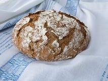 Pan recientemente cocido hecho en casa Fotos de archivo libres de regalías