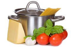 Pan with spaghetti and fresh vegetables Royalty Free Stock Images