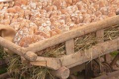 Pan tradicional de la harina de Rye cocinado en sitio durante foto de archivo libre de regalías