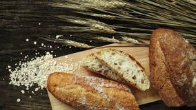 Pan tradicional recientemente cocido al horno metrajes
