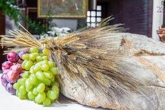 Pan, uvas y símbolo del trigo de Christian Holy Communion en el Ch fotos de archivo libres de regalías