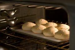 Pan van koekjes in oven Royalty-vrije Stock Afbeeldingen