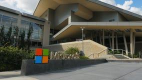 Pan van microsoft hoofdkwartier die Seattle inbouwen stock videobeelden