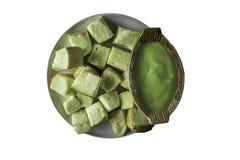 Pan verde dulce de las natillas en fondo de madera fotos de archivo libres de regalías