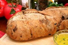 Pan verde oliva del pan en cocina Fotos de archivo libres de regalías