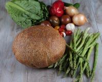Pan y espárrago fresco Foto de archivo