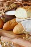 Pan y leche. Fotos de archivo libres de regalías