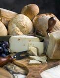 Pan y queso Fotos de archivo libres de regalías