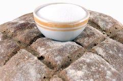 Pan y sal Imagenes de archivo