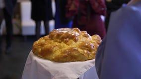 Pan y sal de la boda almacen de metraje de vídeo