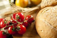 Pan y tomate Fotografía de archivo libre de regalías