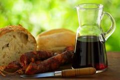 Pan y vino de la carne. imagenes de archivo