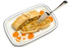 Panada用圆白菜、牛肉和红萝卜装载了 免版税库存图片