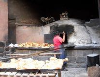 Panadero artesiano en los Andes Imagenes de archivo