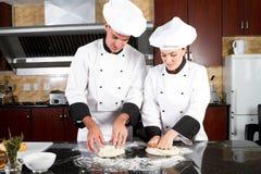 Panaderos jovenes Imagen de archivo