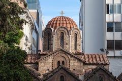 Panaghia Kapnikarea kyrka på den Ermou gatan i Aten, Grekland Det är en av de mest iconic gränsmärkena av den grekiska ortodoxa k Arkivbilder