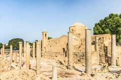 Panagia Chrysopolitissa Ayia Kyriaki教会在帕福斯,塞浦路斯 免版税库存图片