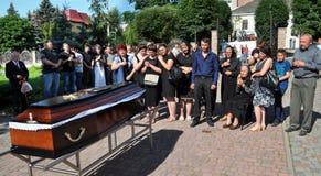 Panakhyda voor de dode jongere sergeant Igor Shtunik _3 Royalty-vrije Stock Foto's