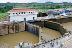Panamakanal-Verriegelungen Stockbild