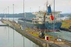 Panamskiego kanału Freighter Obrazy Stock