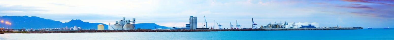 Panarama von Puerto de Castellon - Industriehafen Stockfoto