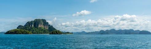 Panaramicmening van overzees en eilanden in Thailand royalty-vrije stock foto's
