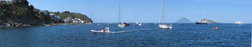 Panarea öpanorama & x28; harbor& x29; - Messina - Sicilien - Italien Royaltyfri Fotografi