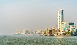 Panaroma di Mumbai da Haji Ali Dargah L'India fotografia stock libera da diritti