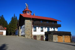 Pancíř Špičák, skidar semesterorten, den bohemiska skogen (Šumava), Tjeckien Royaltyfria Bilder