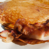 Pancake. And bacon for breakfast Royalty Free Stock Photography