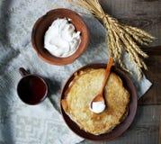Pancake con caffè per la prima colazione Fotografia Stock
