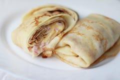 Pancake con formaggio ed il prosciutto Immagine Stock