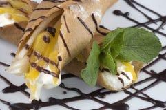 Pancake con frutta. Immagini Stock Libere da Diritti