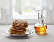 Pancake con il sirop dell'acero Immagine Stock