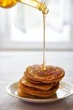 Pancake con il sirop dell'acero Fotografia Stock