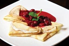 Pancake con la ciliegia Fotografia Stock