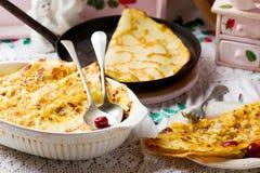 Pancake con la ciliegia Fotografie Stock Libere da Diritti