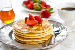 Pancake con la fragola Immagine Stock