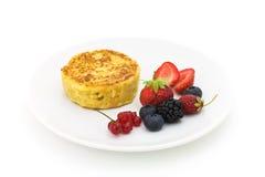 Pancake con la frutta di bacca Fotografia Stock