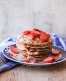 Pancake con le fragole Immagine Stock Libera da Diritti