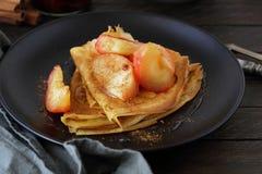 Pancake con le mele Immagine Stock