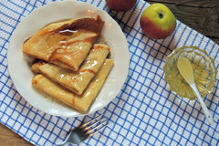 Pancake con miele Immagine Stock