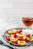 Pancake del formaggio con il lampone Immagini Stock