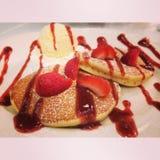 Pancake della fragola fotografie stock libere da diritti