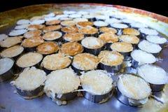 Pancake della noce di cocco del recipiente di sedere Fotografia Stock