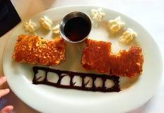 Pancake della prima colazione a forma di come treno immagine stock libera da diritti