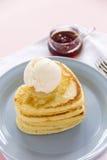 Pancake a forma di del cuore Immagini Stock