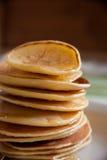 Pancake fragranti per la prima colazione Immagini Stock
